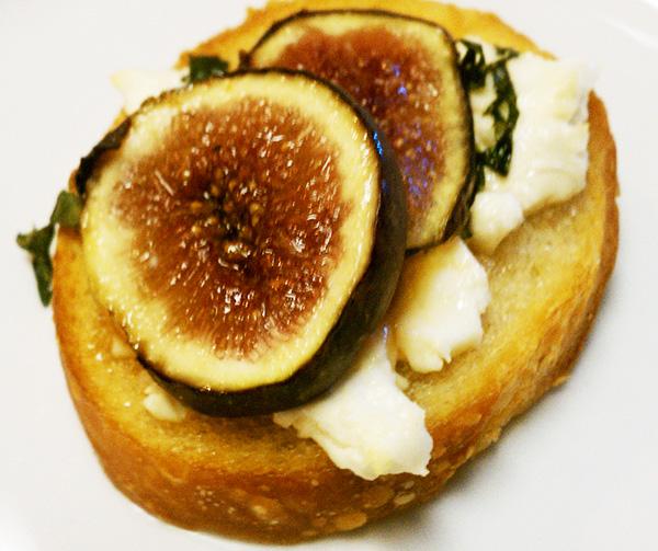 Fig and Cheese Bruschetta