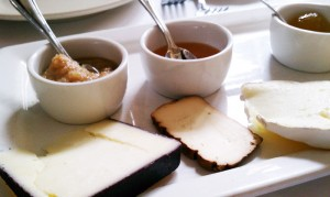 italian_barrel_cheese_platter